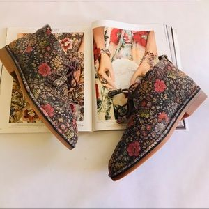 Hush Puppies | Cyra Catelyn Floral Bootie